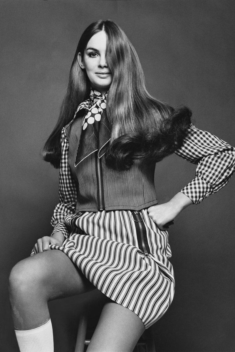 Jean Shrimpton in denim miniskirt