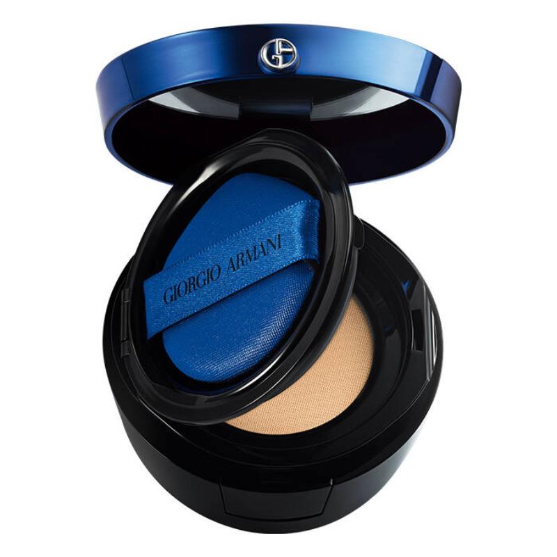 Vogue Singapore 2020 Beauty Make-up Foundations for Asian Skin Hydrating Glow Matte Armani Beauty Chanel IT Cosmetics Shiseido NARS Sephora Tangs Singapore