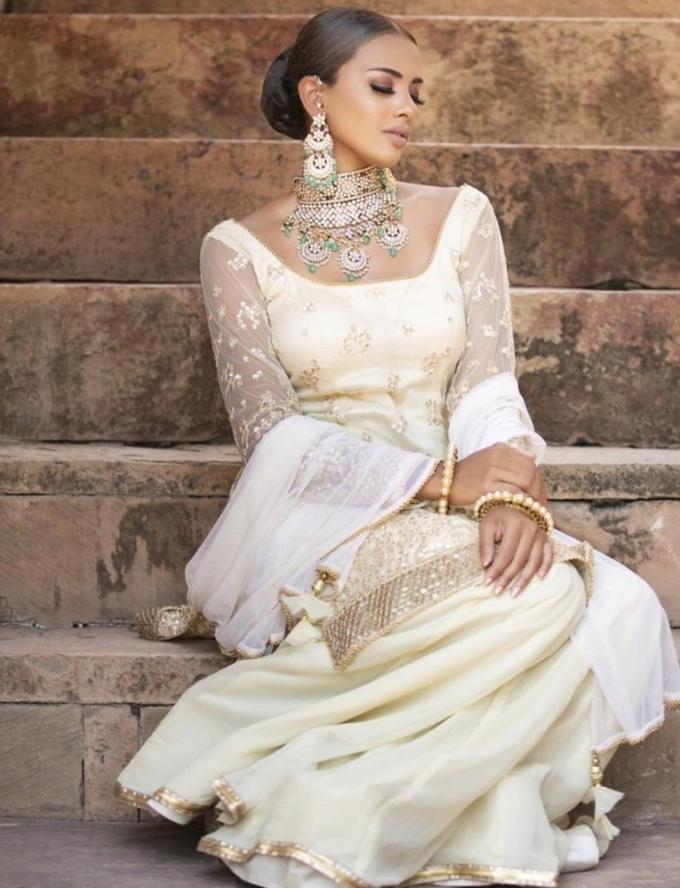 Vogue Singapore November 2020 Deepavali Diwali rathi menon beauty makeup