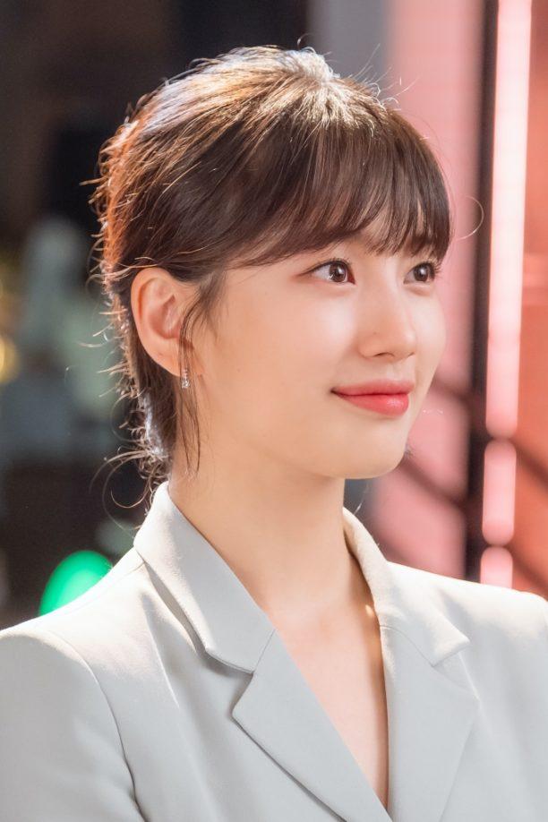 Vogue Singapore November 2020 Netflix Start-Up Suzy Bae Seo Dal-Mi Nam Joo Hyuk Nam Do San Korea K-beauty Beauty Skincare Makeup Hair K-pop K-drama Lipstick Cushion Lancome 스타트업_수지 보정