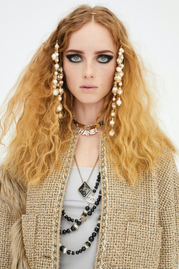 Vogue Singapore 2020 December - chanel beauty Metiers d'art backstage makeup hair