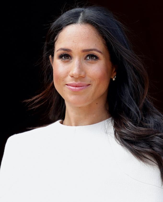 Vogue Singapore December 2020 - Meghan Markle Duchess of Sussex Prince Harry - beauty hair skincare makeup