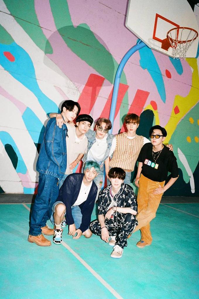 Vogue-Singapore-BTS-lipbalm