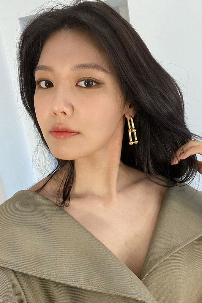 Vogue-Singapore-Sooyoung