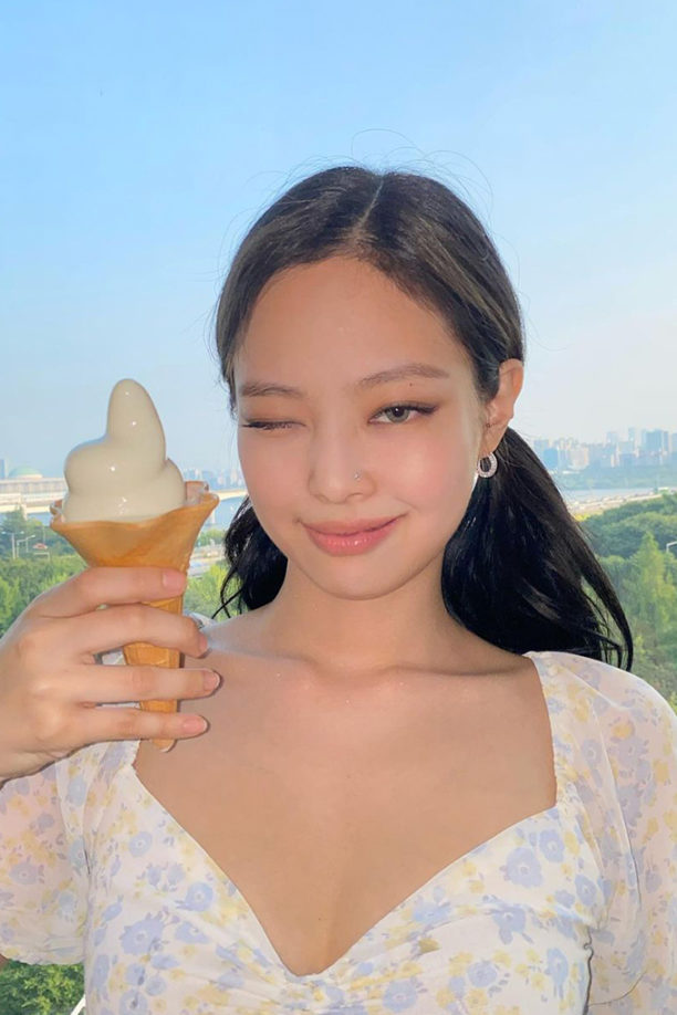 ogue-Singapore-k-celeb-lipstick-feature-image-Jennie