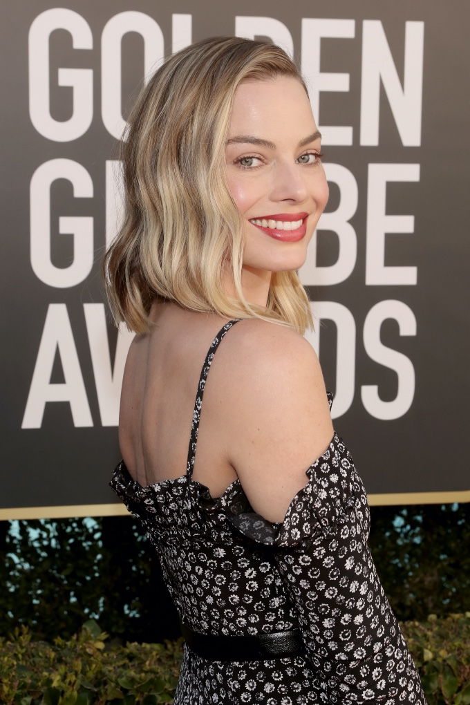 Vogue Singapore February 2021 - golden globes beauty makeup Margot robbie Chanel