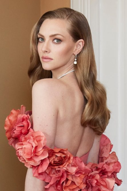 Vogue Singapore February 2021 - Amanda Seyfried Golden Globes beauty makeup hair backstage