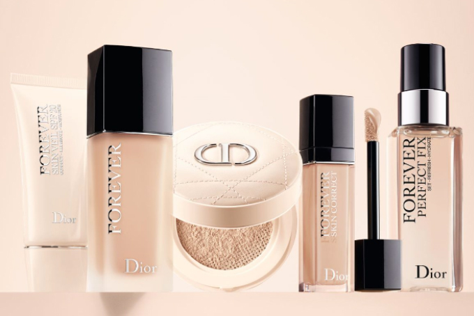 Vogue-Singapore-Dior-Forever-Routine