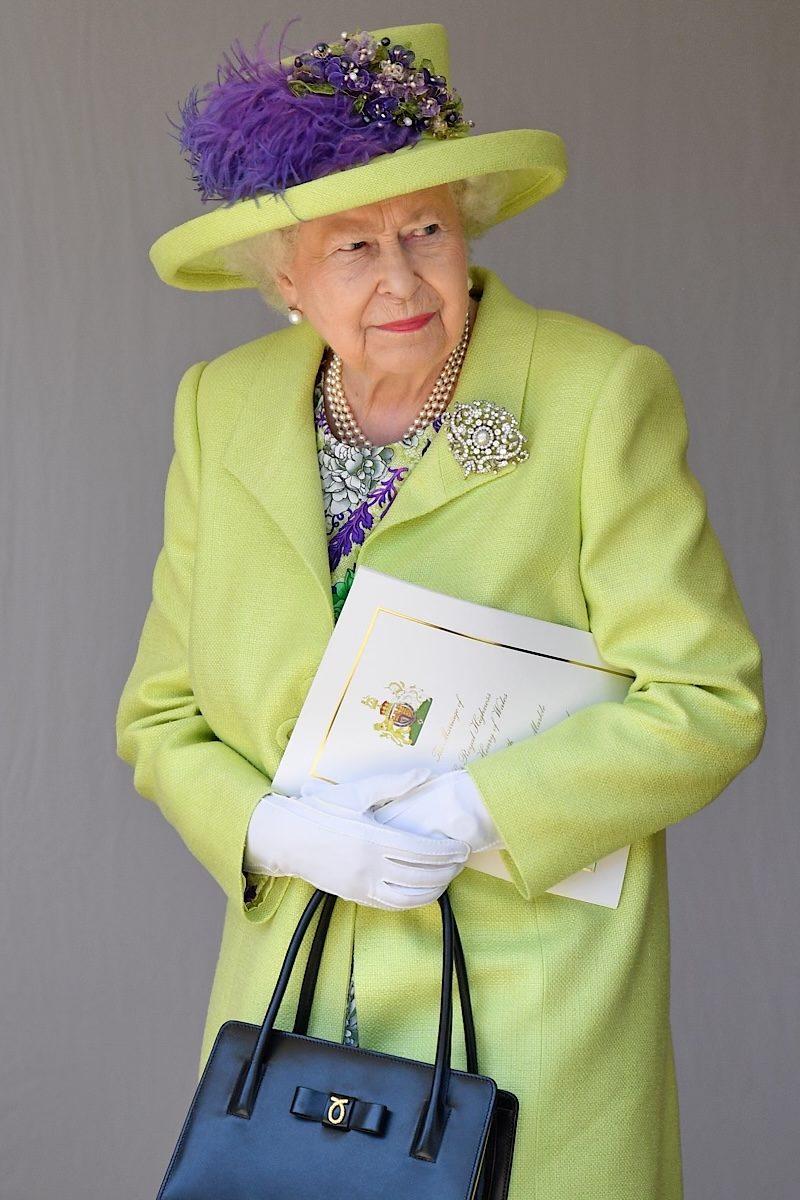 Queen Elizabeth fashion green black