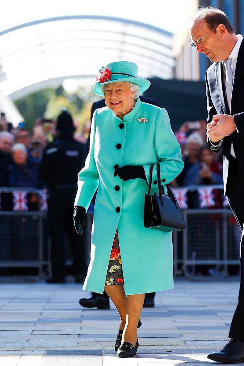 Queen Elizabeth fashion blue 2