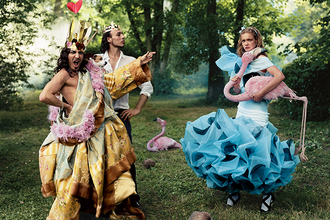 alice in wonderland: John Galliano (as the Queen of Hearts), Alexis Roche (as the King), and Natalia Vodianova (as Alice), American Vogue, December 2003