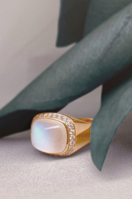 Moonstone-jewellery-signet-ring