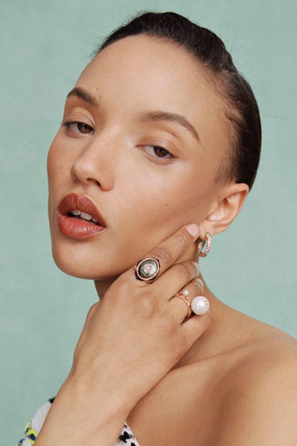 Oval engagement rings model