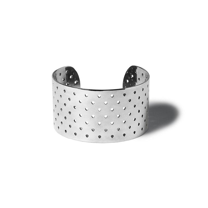Selena-gomez-jewellery-looks-product-bond-hardware