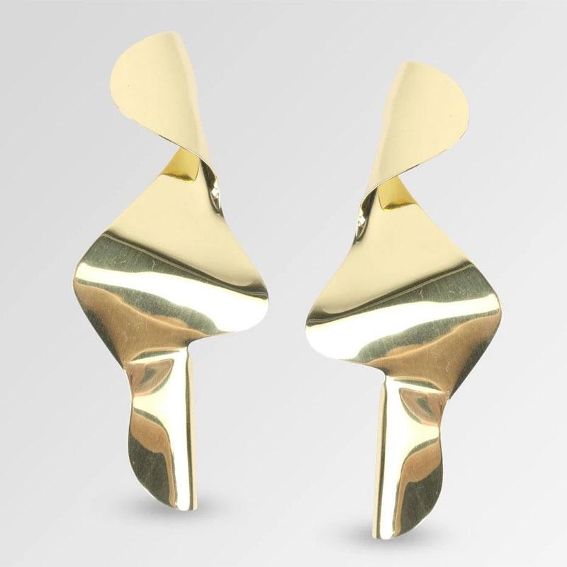Selena-gomez-jewellery-looks-product-dinosaur-designs