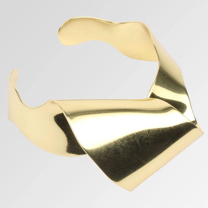 Selena-gomez-jewellery-looks-product-dinosaur-designs-1