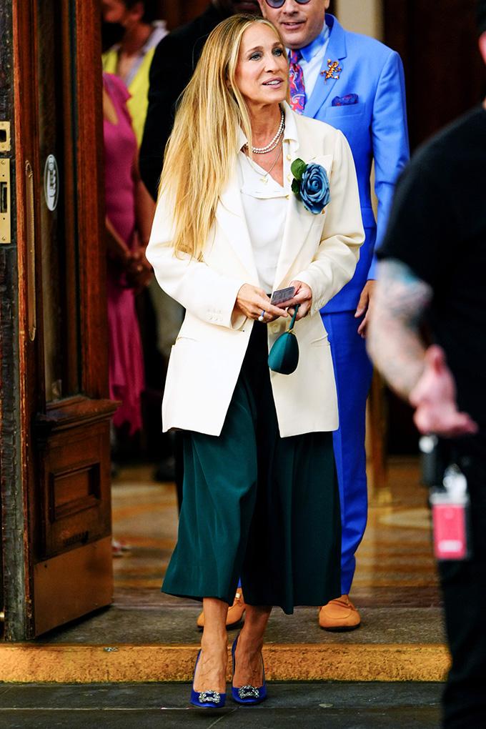 carrie bradshaw wardrobe green