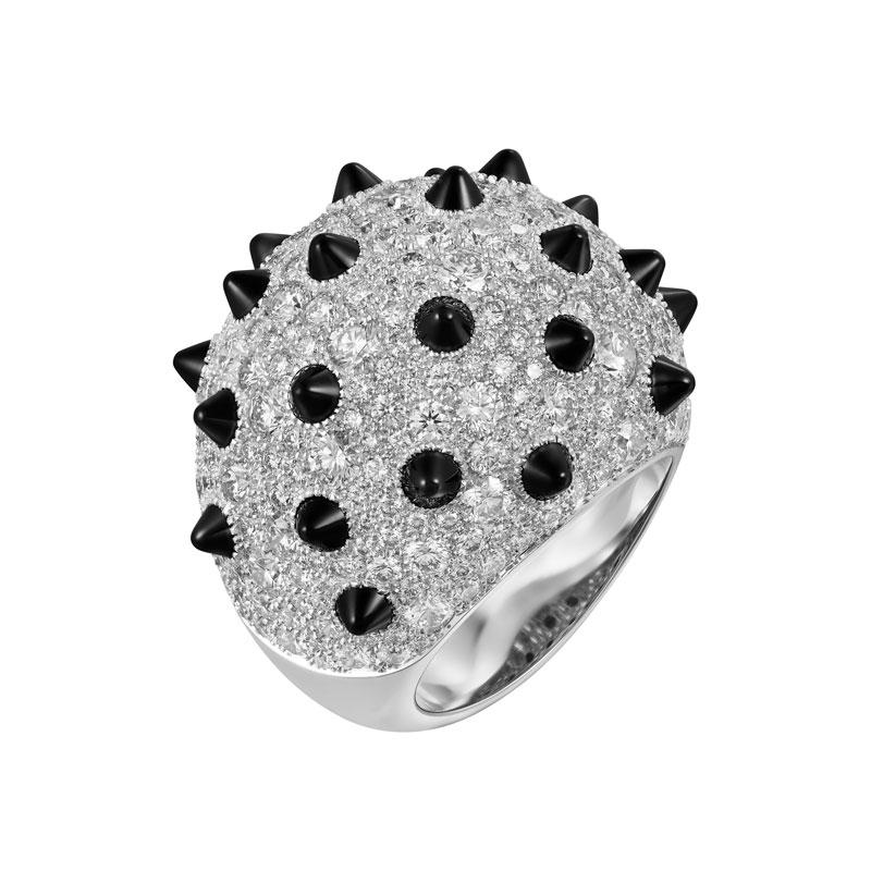 Cartier-lily-collins-clash-[un]limited-bombe-1