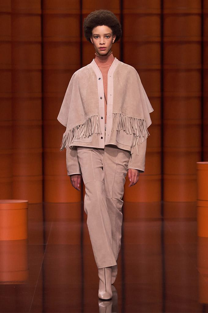 Hermes autumn/winter 2021 Beige Jacket + Pants + Orange Turtleneck