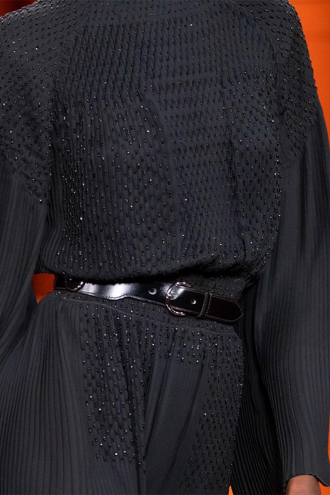 Hermes autumn/winter 2021 Black Pleated Dress Detail