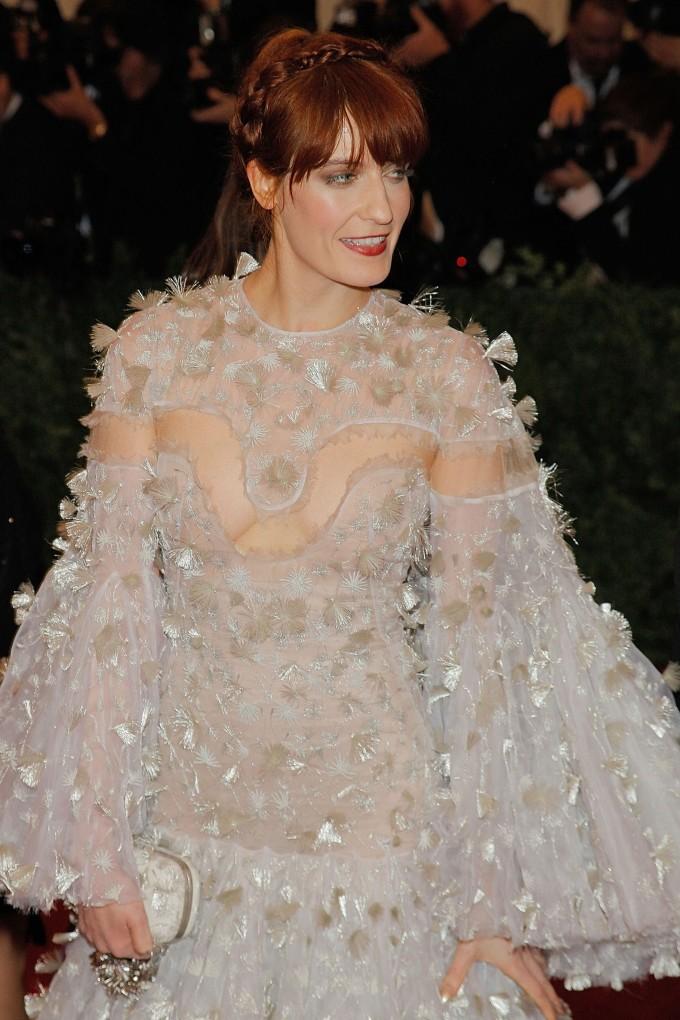 Vogue Singapore 2021 - best beauty met gala -