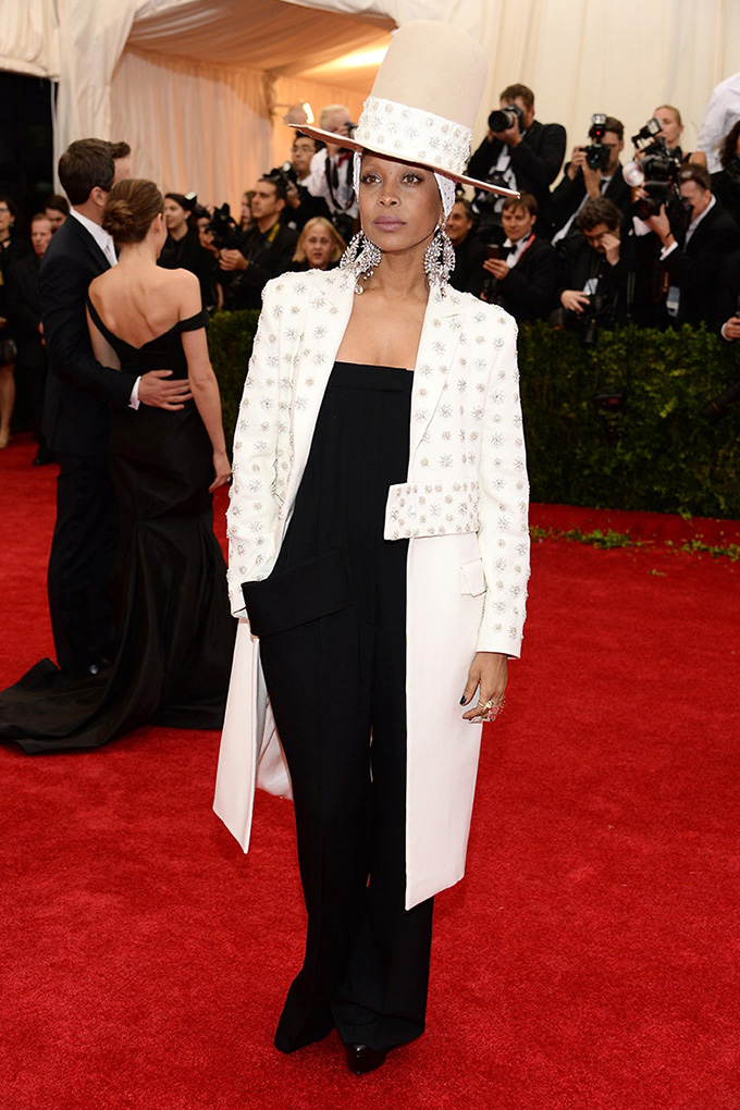 Erykah Badu in Givenchy Haute Couture