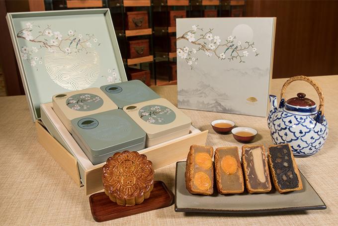 Mandarien Oriental Mooncakes