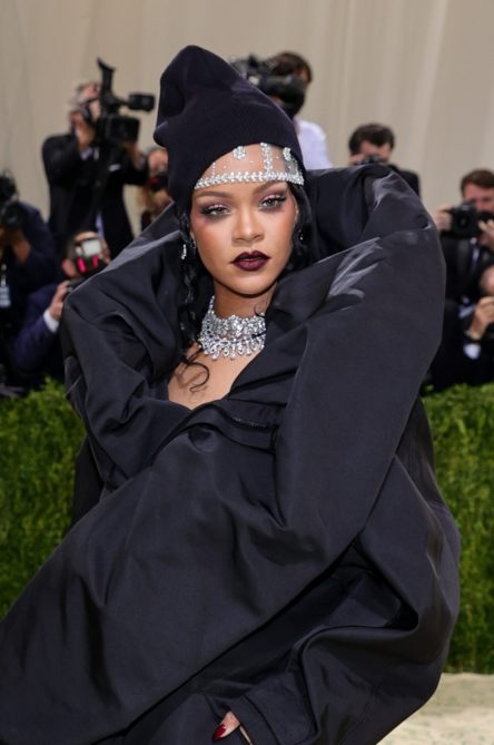 Vogue Singapore 2021 - met gala beauty - celebrities fashion makeup hair