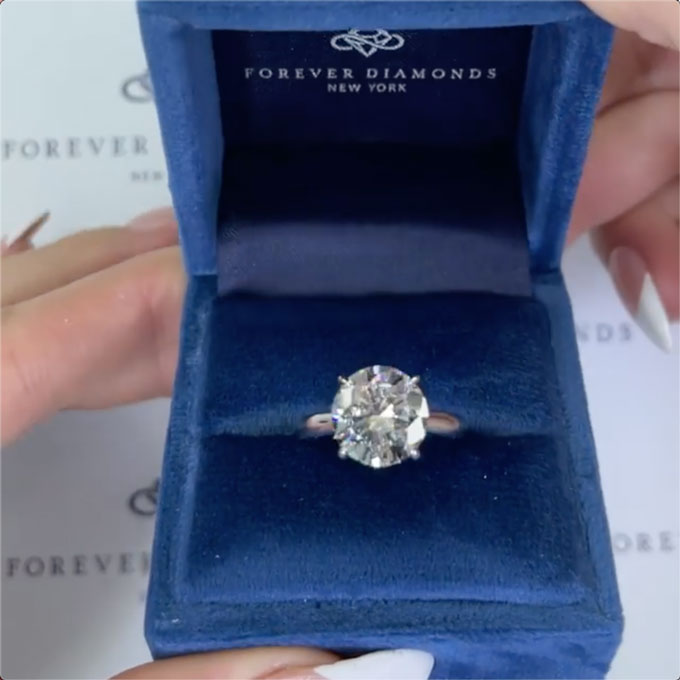 Britney Spears engagement ring in box
