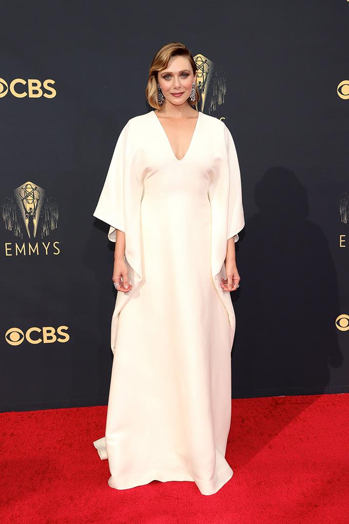 Emmy-2021-Elizabeth-Olsen