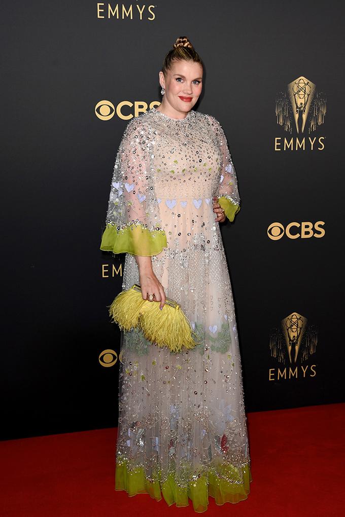 Emmys-2021-Emerald-Fennell-in-Valentino