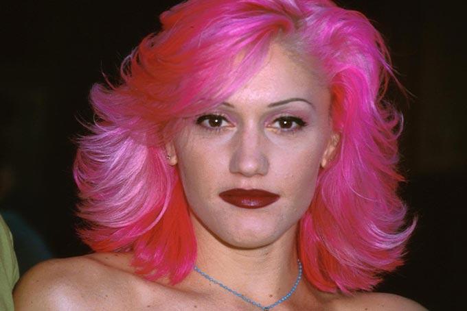 90s beauty trends skinny brows as worn by Gwen Stefani