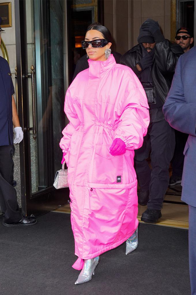 kim-kardashian-snl-coat