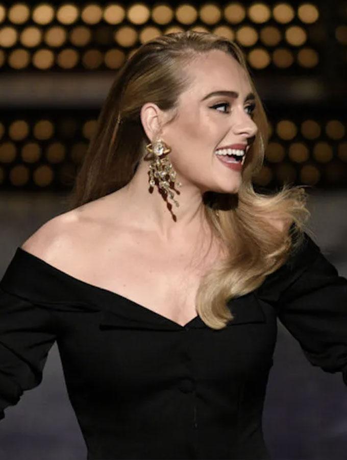 Adele best earrings SNL