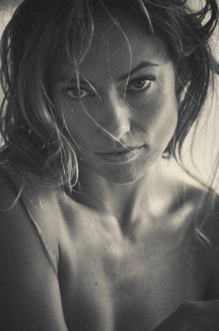 Vogue Singapore 2021 - Olivia Wilde True Botanicals Guy Aroch - sustainability beauty skincare free the nipple -